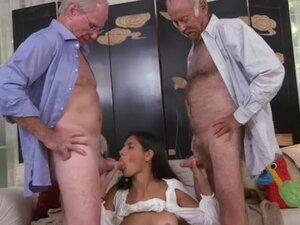 stary człowiek ma mały penis)